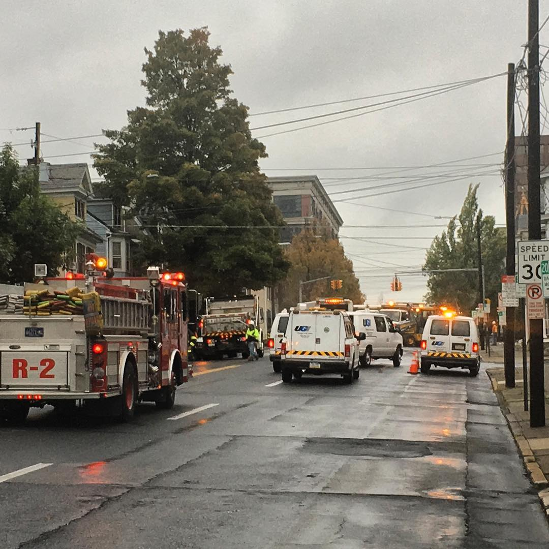 On Scene: Major gas leak with evacuations and wide spread power outage in Bethlehem, Pa.